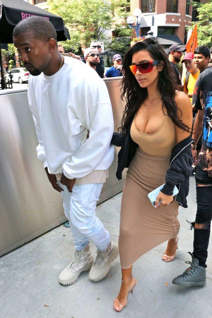 Kim Kardashian Goes Shopping in Toronto-1