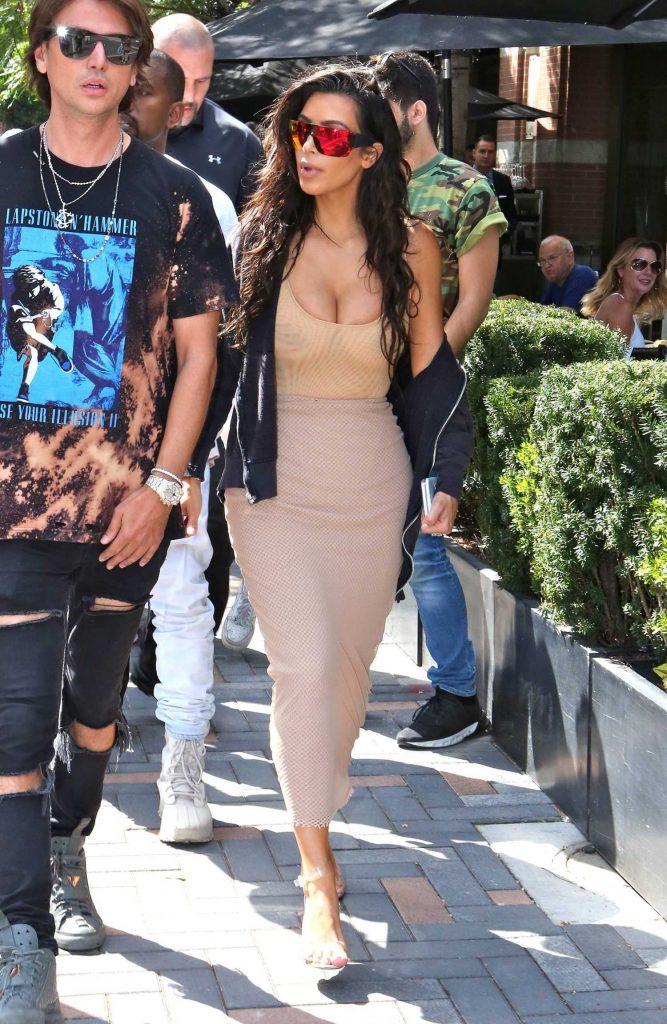 Kim Kardashian Goes Shopping in Toronto-2