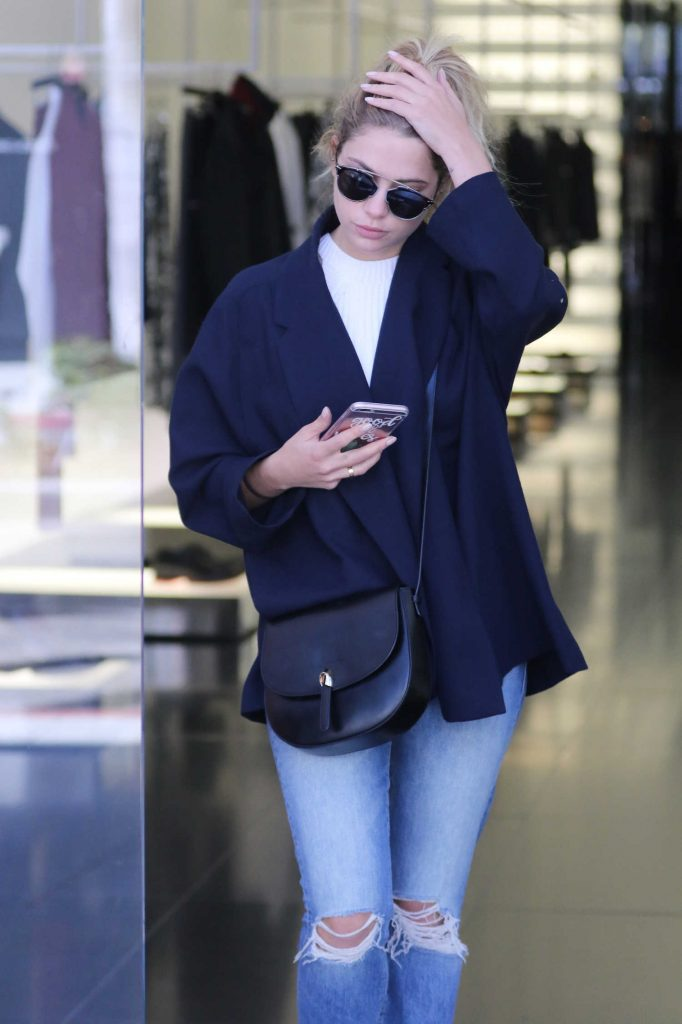Ashley Benson Goes Shopping at Dior on Rodeo Drive in Beverly Hills-5