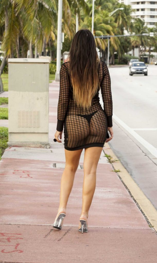 Claudia Romani Was Seen Out in Miami-4