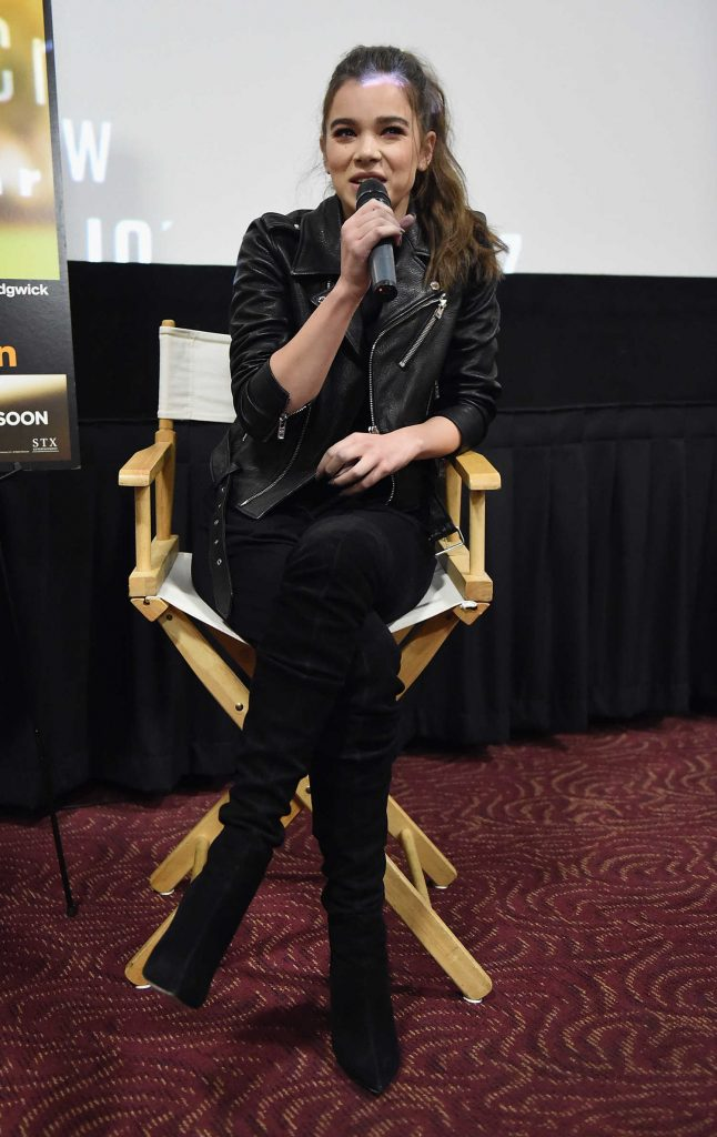 Hailee Steinfeld at The Edge of Seventeen Screening Q&A at AMC Sunset Place in Miami-1