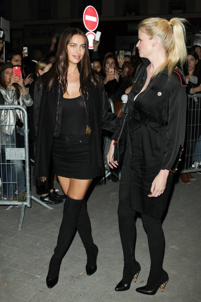 Irina Shayk Arrives at the Givenchy Fashion Show During Paris Fashion Week-2