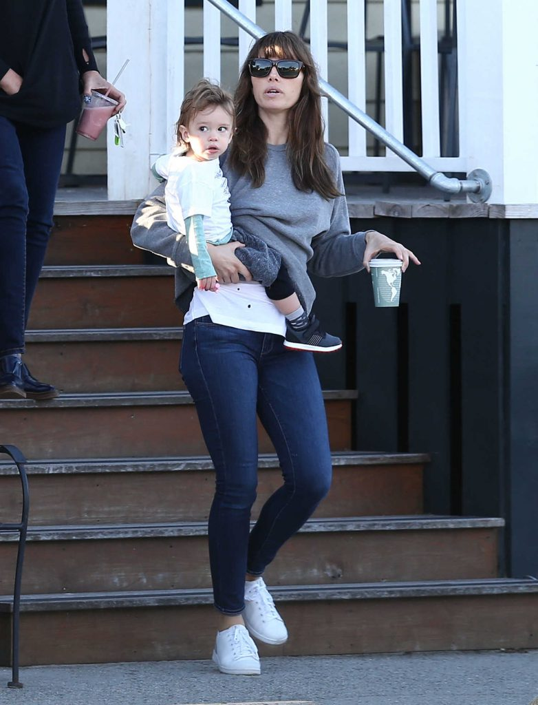 Jessica Biel Was Seen Out in Charleston-2