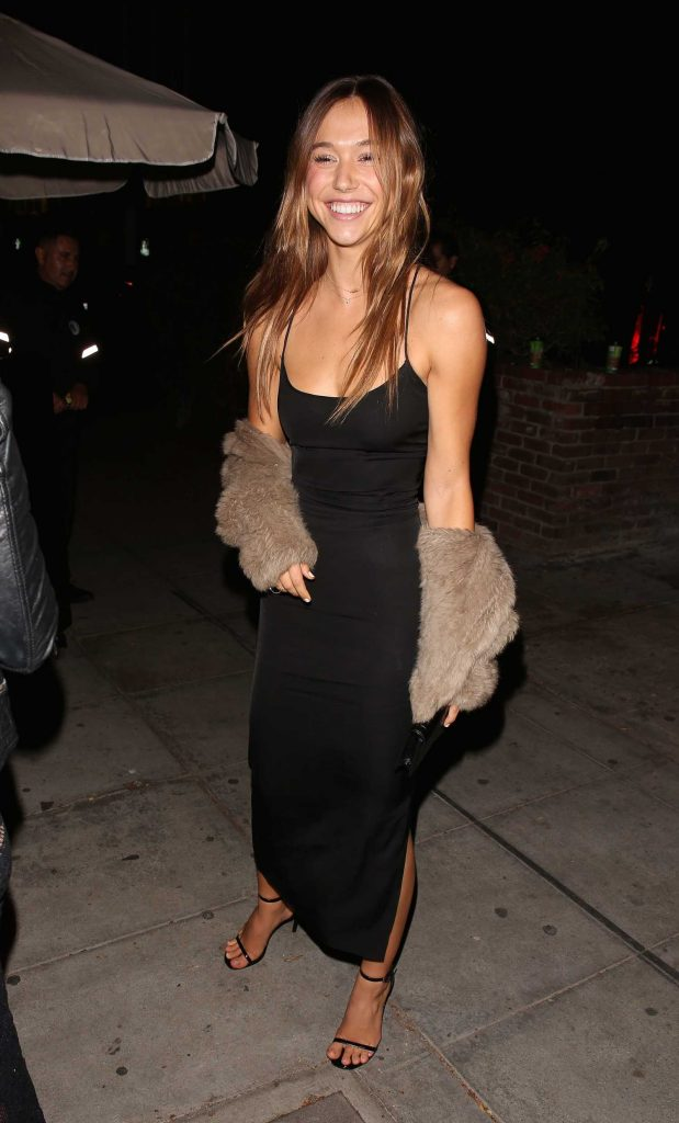 Alexis Ren Celebrates Her Birthday at Delilah in West Hollywood-1