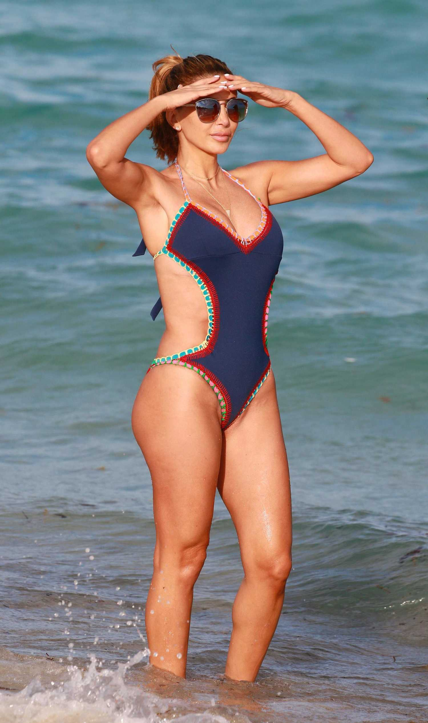 Larsa Pippen Wearing a Swimsuit at the Beach in Miami ...