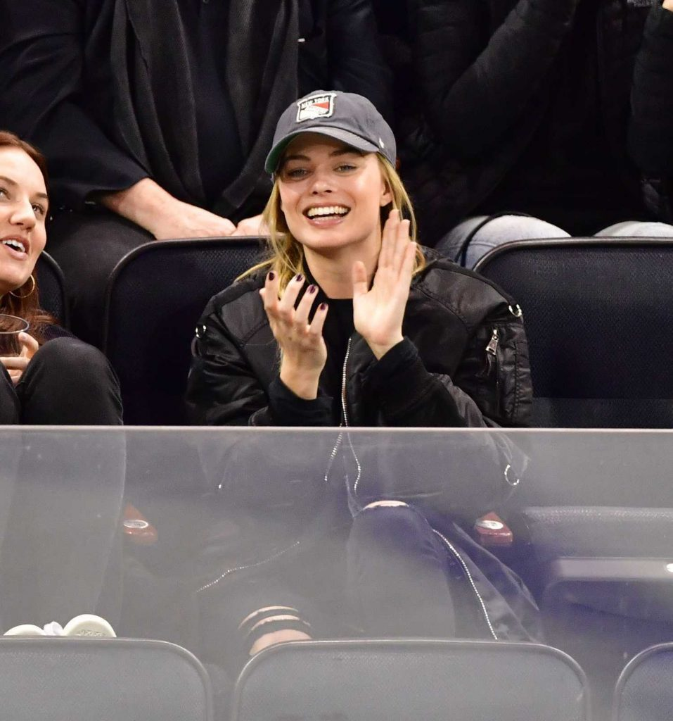 Margot Robbie Watching New York Rangers v Ottawa Senators in New York-3
