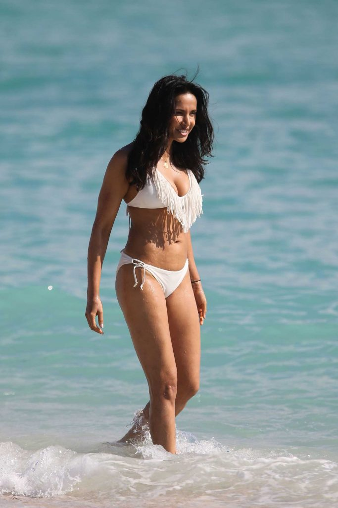 Padma Lakshmi in a White Bikini at the Beach in Miami-4