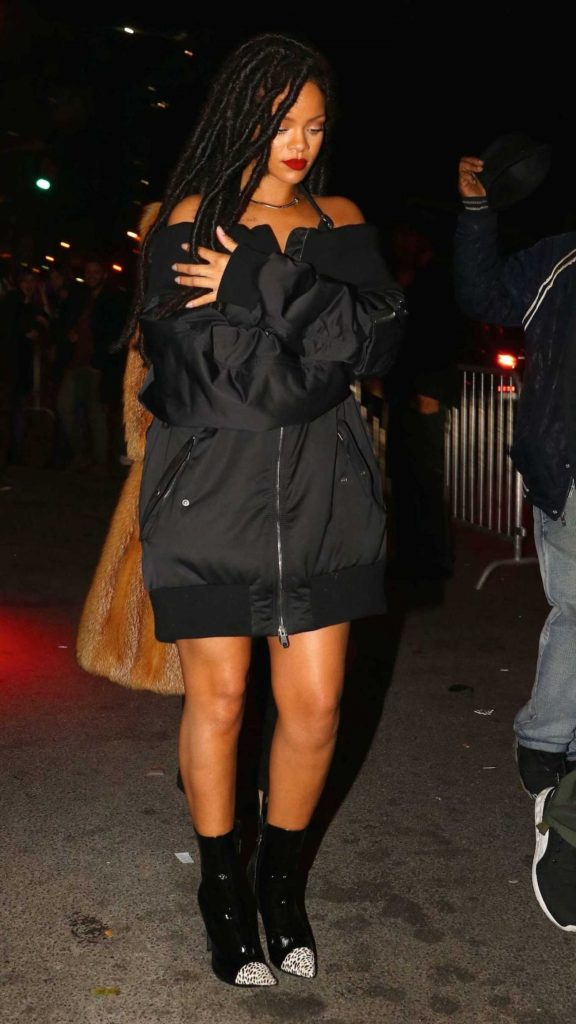 Rihanna Ninght Out in New York-2