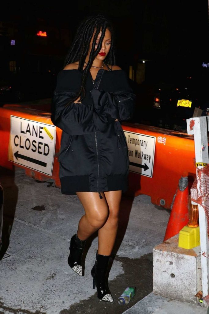Rihanna Ninght Out in New York-3