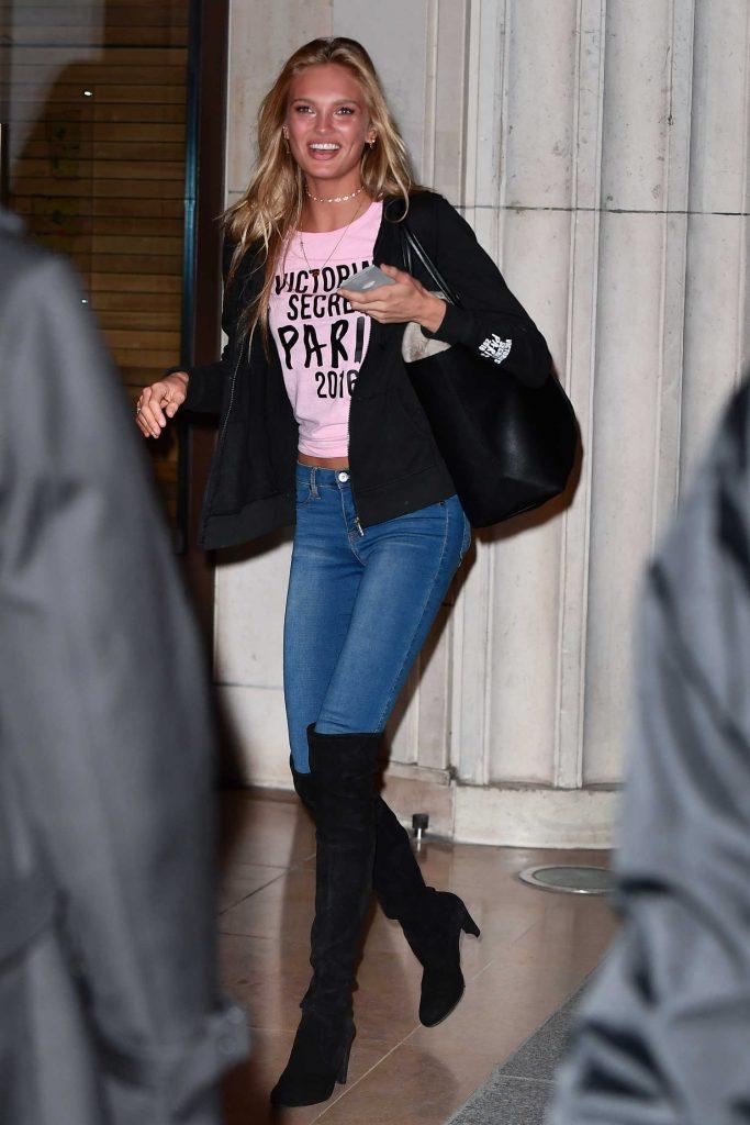 Romee Strijd Arrives for 2016 Victoria's Secret Fashion Show in Paris-1