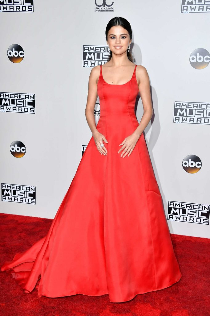 Selena Gomez at the 2016 American Music Awards at the Microsoft Theater in Los Angeles-1