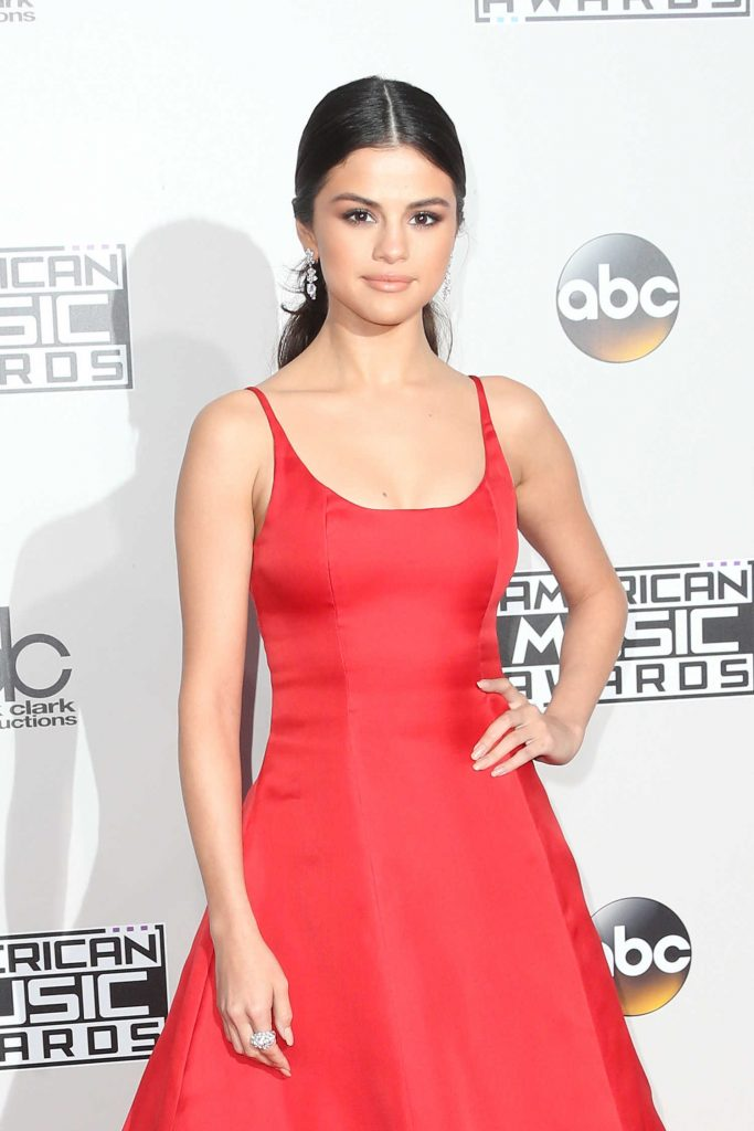 Selena Gomez at the 2016 American Music Awards at the Microsoft Theater in Los Angeles-4