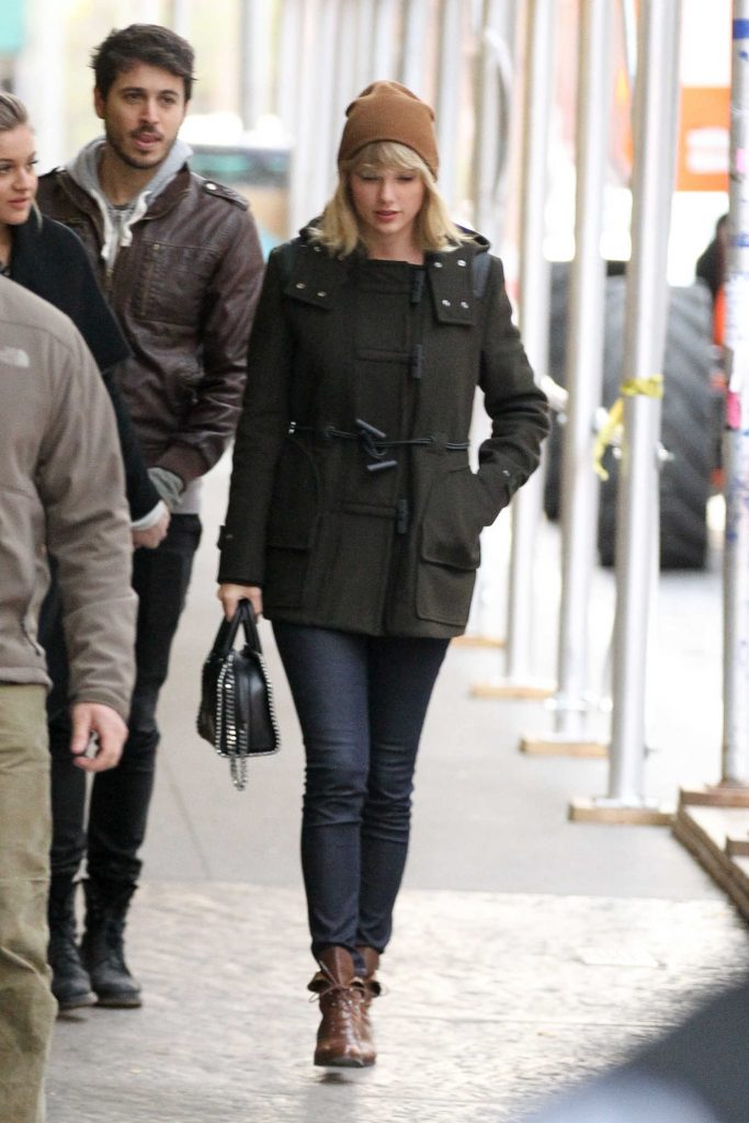 Taylor Swift Was Seen Out in Tribeca, New York-1