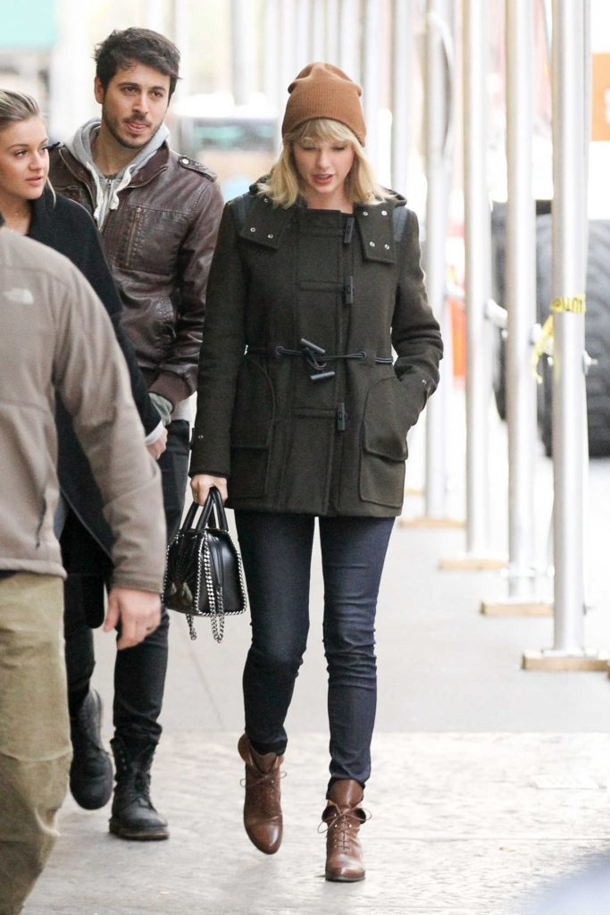 Taylor Swift Was Seen Out in Tribeca, New York-2