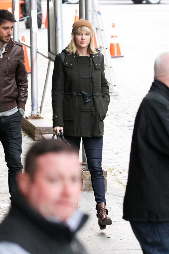 Taylor Swift Was Seen Out in Tribeca, New York-3