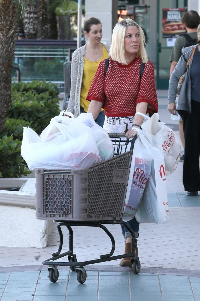Tori Spelling Goes Shopping in Encino-2
