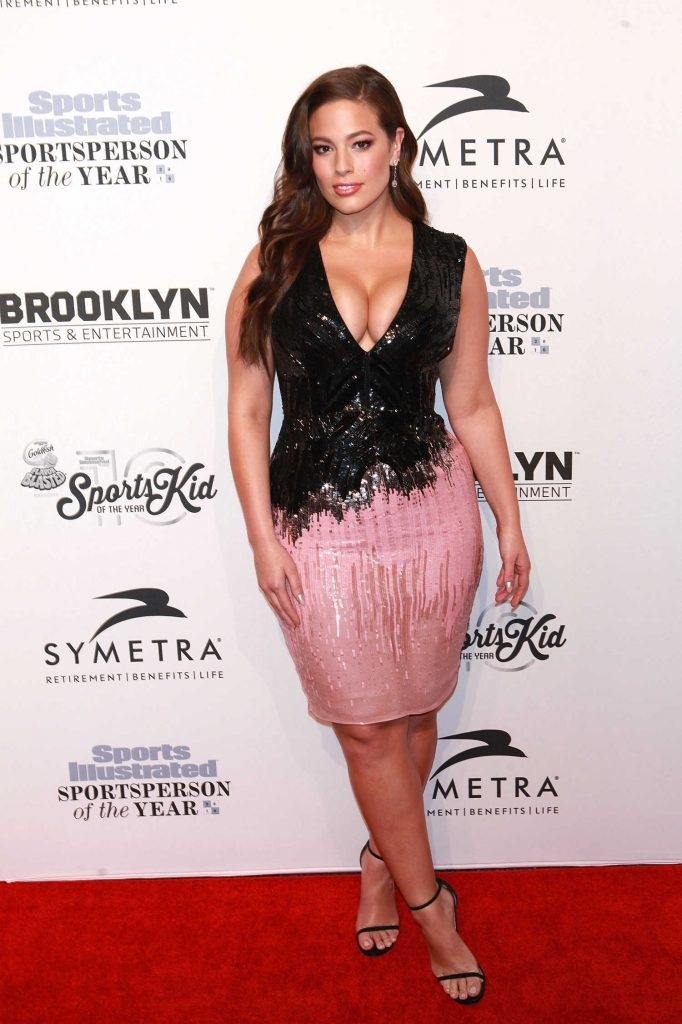 Ashley Graham at the Sports Illustrated Sportsperson of the Year 2016 Event at Barclays Center in New York-1