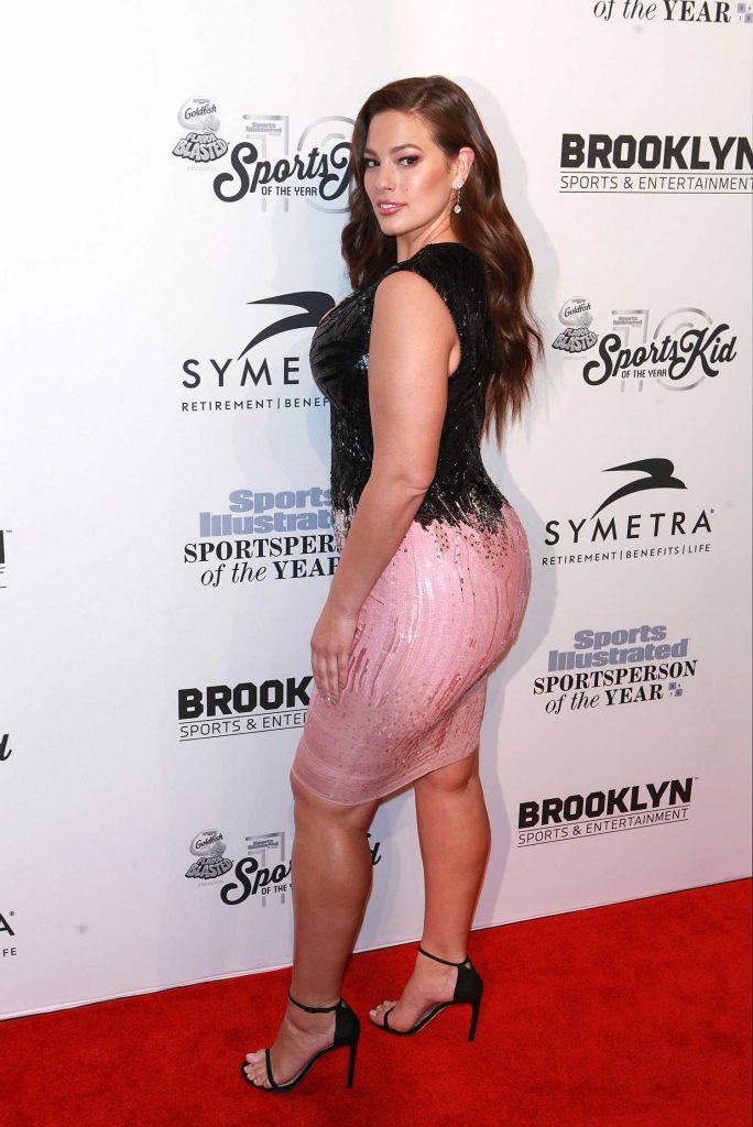 Ashley Graham at the Sports Illustrated Sportsperson of the Year 2016 Event at Barclays Center in New York-3