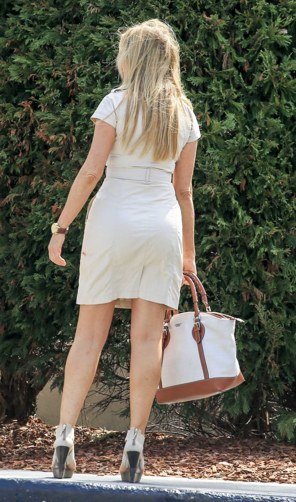 Carol Vorderman Arrives at Palazzo Versace Hotel on the Gold Coast-4