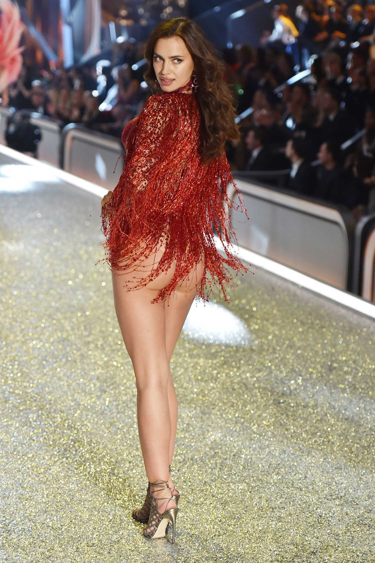 Irina Shayk Victoria S Secret Fashion Show