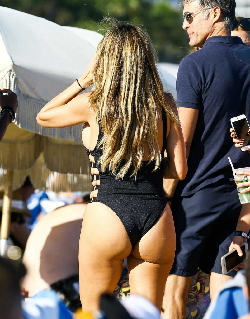Larsa Pippen in a Black Swimsuit at the Beach in Miami-5