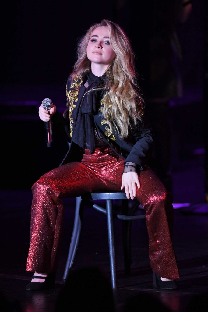Sabrina Carpenter Performs at the Parker Playhouse in Fort Lauderdale-1