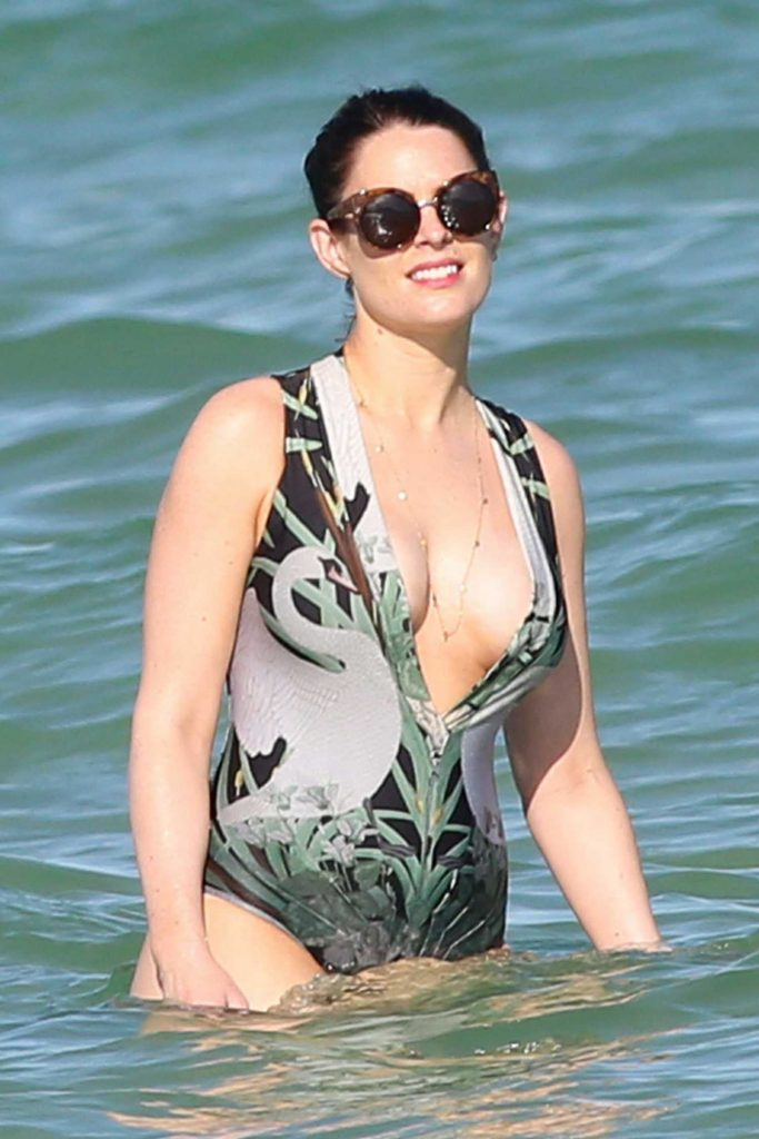 Susie Amy Wearing a Swimsuit at the Beach in Miami-2
