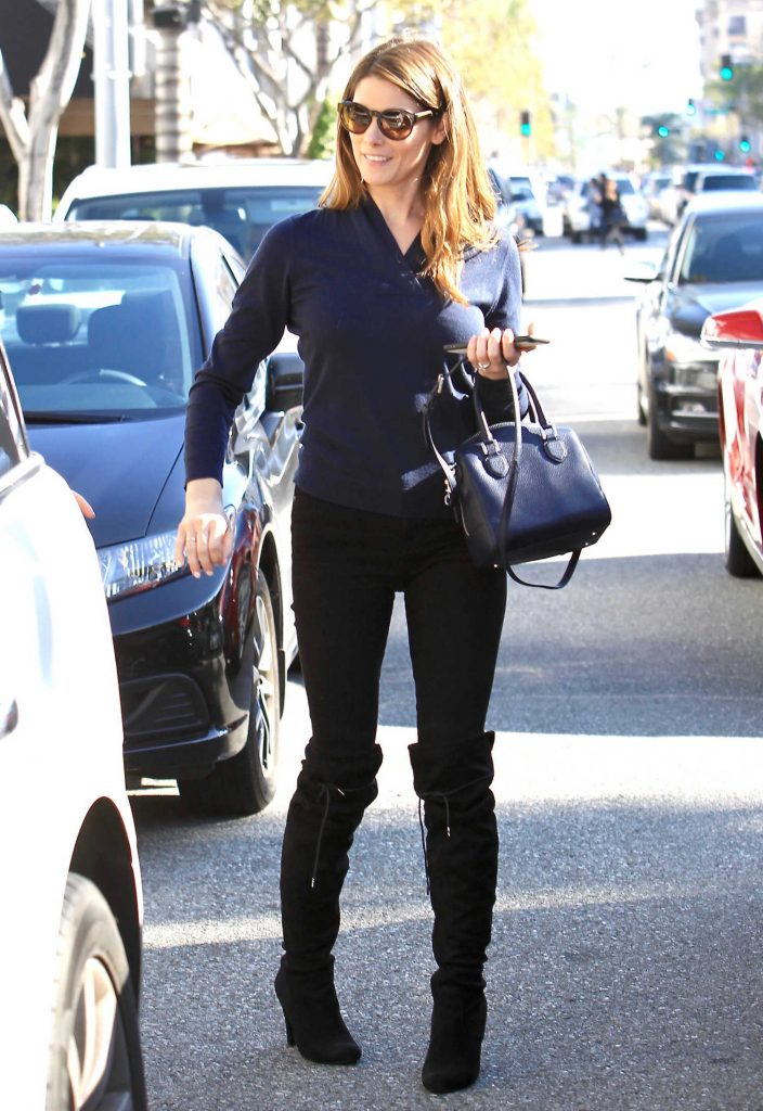 Ashley Greene Was Seen Out in Los Angeles-2