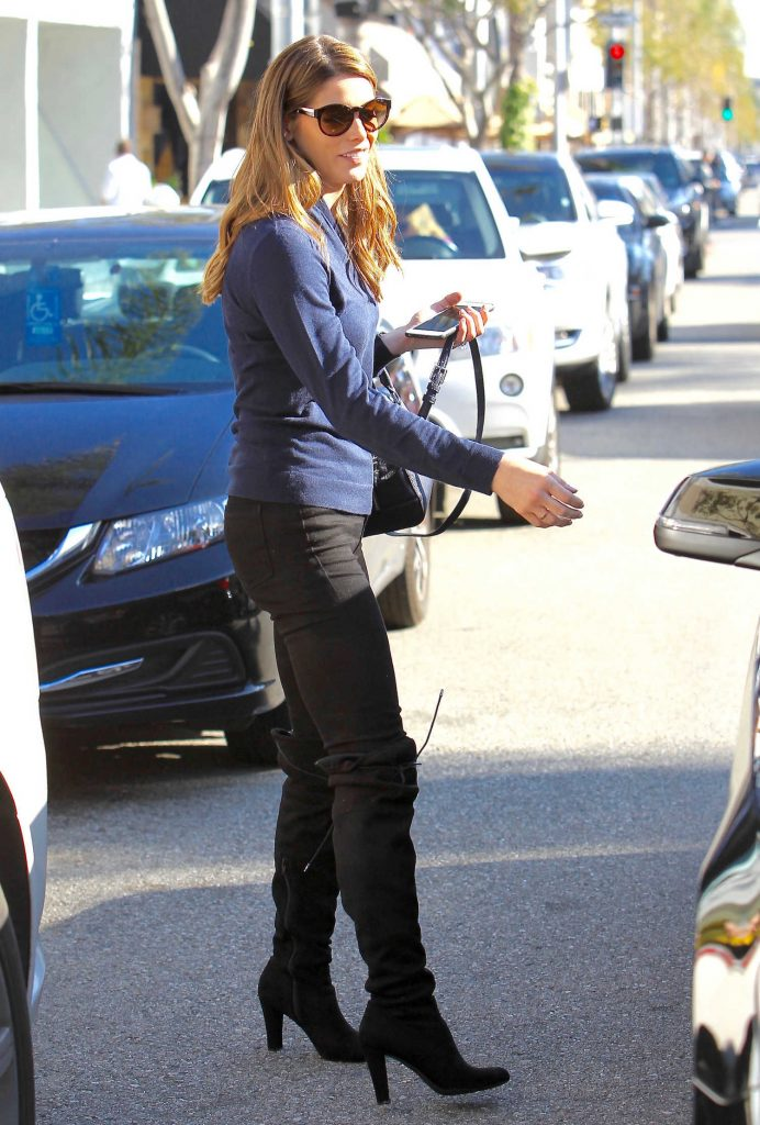 Ashley Greene Was Seen Out in Los Angeles-4