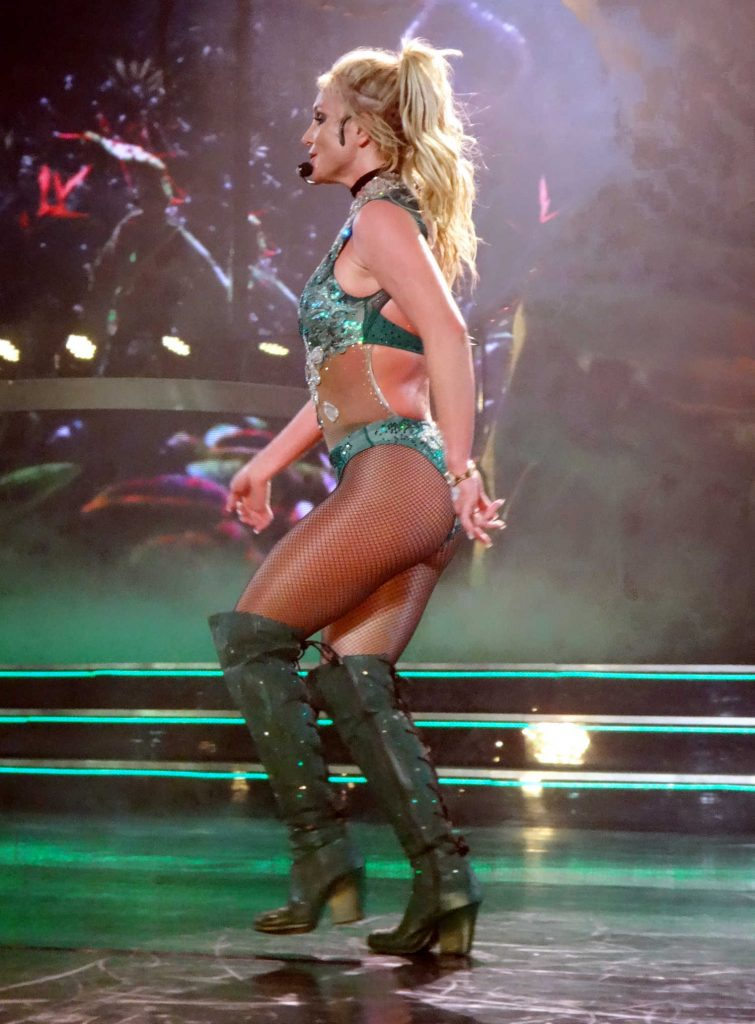 Britney Spears Performs in Las Vegas-2