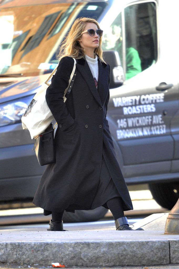 Dianna Agron Was Seen in a Black Trench Coat in New York City-1
