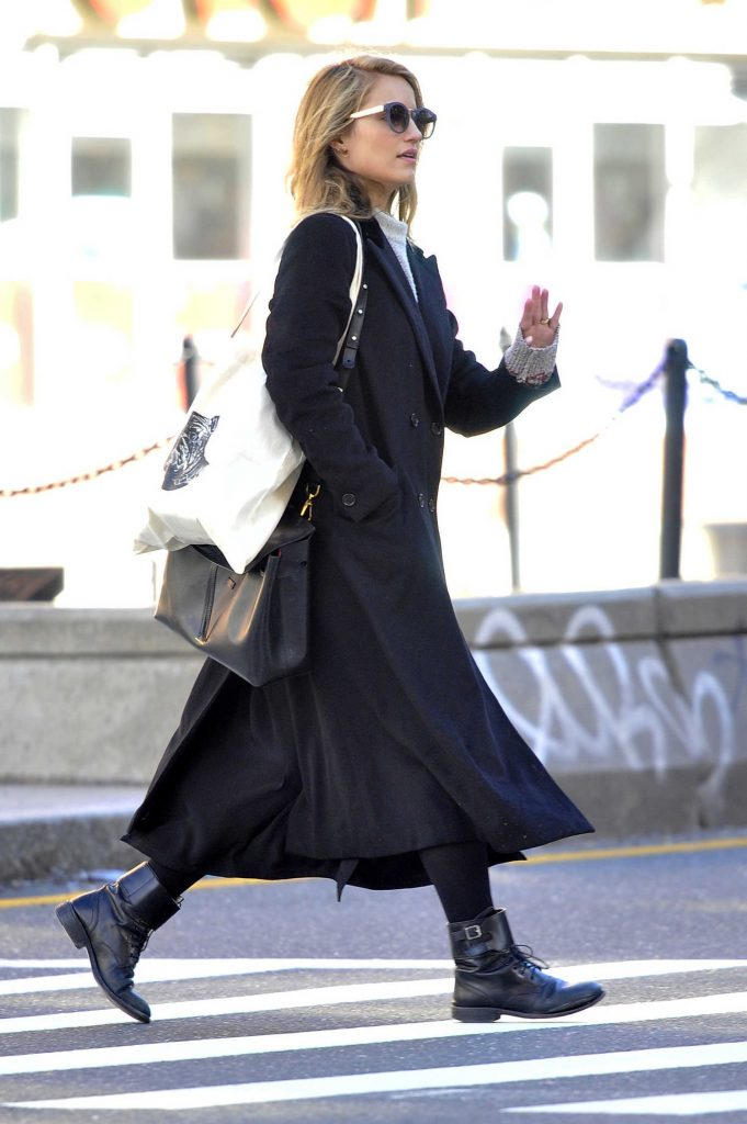 Dianna Agron Was Seen in a Black Trench Coat in New York City-2