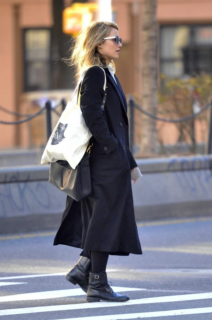 Dianna Agron Was Seen in a Black Trench Coat in New York City-3