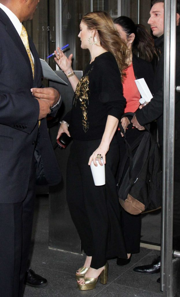 Drew Barrymore Greets Fans in New York-4