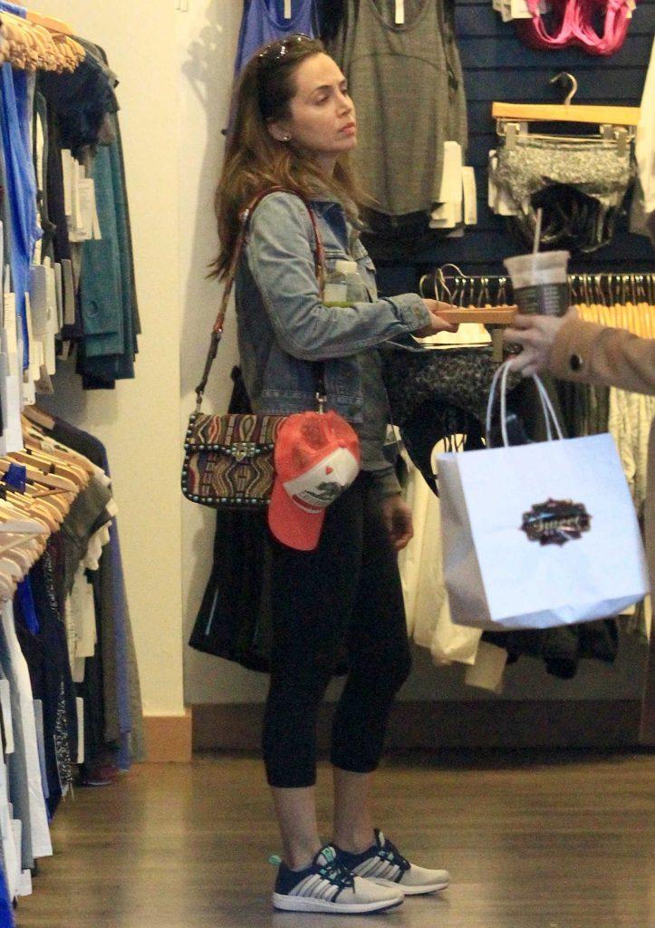 Eliza Dushku Goes Shopping at Lululemon in Beverly Hills-1