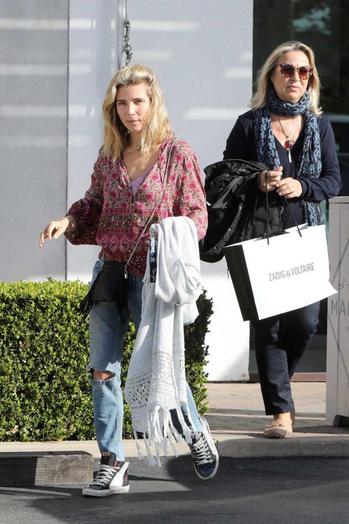 Elsa Pataky Goes Shopping in Malibu-3