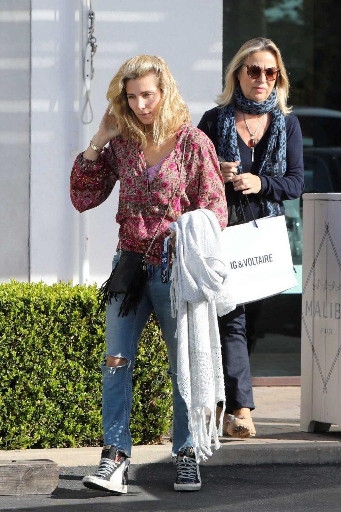 Elsa Pataky Goes Shopping in Malibu-5