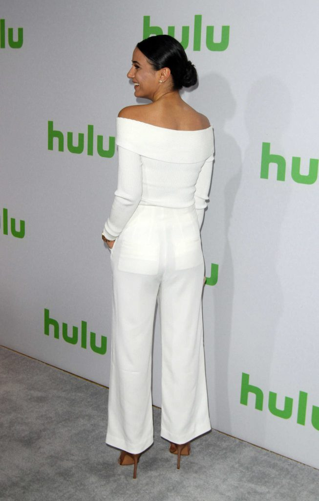 Emmanuelle Chriqui at the Hulu's Winter TCA 2017 in Los Angeles-4