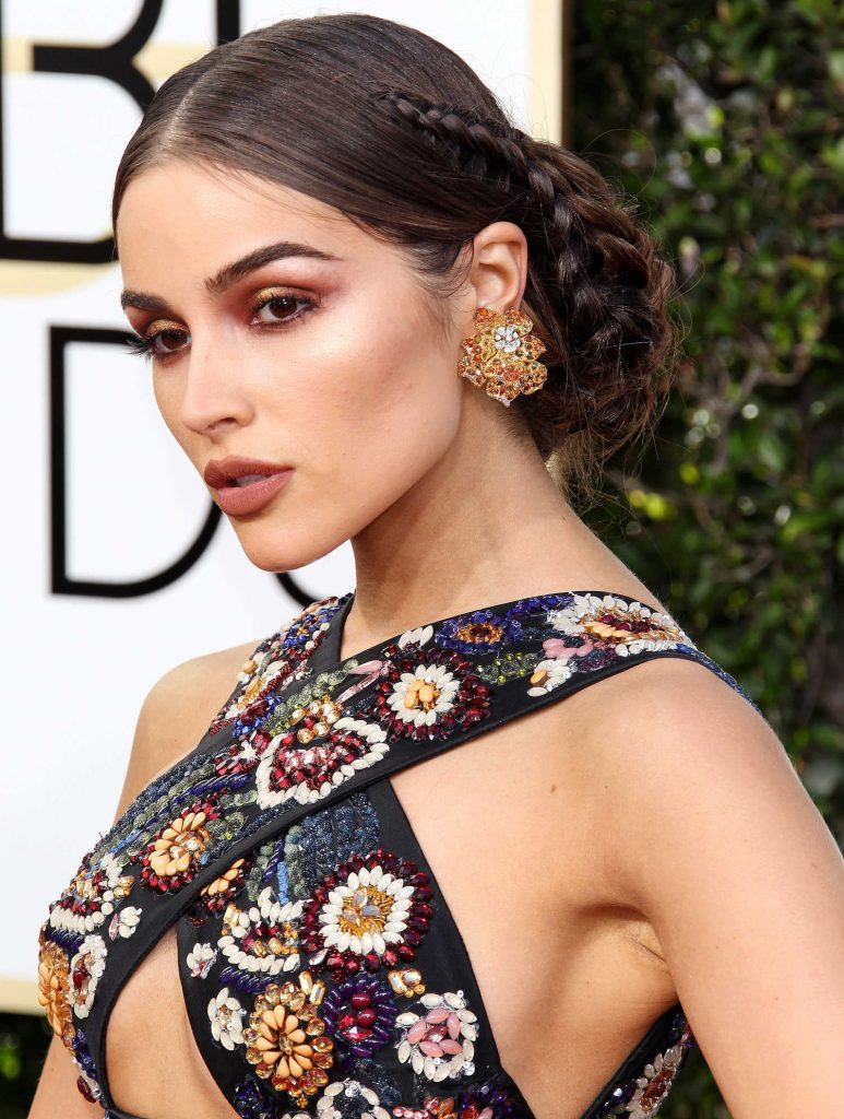 Olivia Culpo at the 74th Annual Golden Globe Awards in Beverly Hills-4