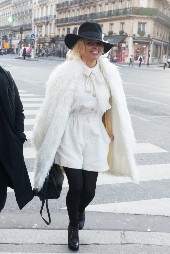Pamela Anderson Goes Shopping Out in Paris-1