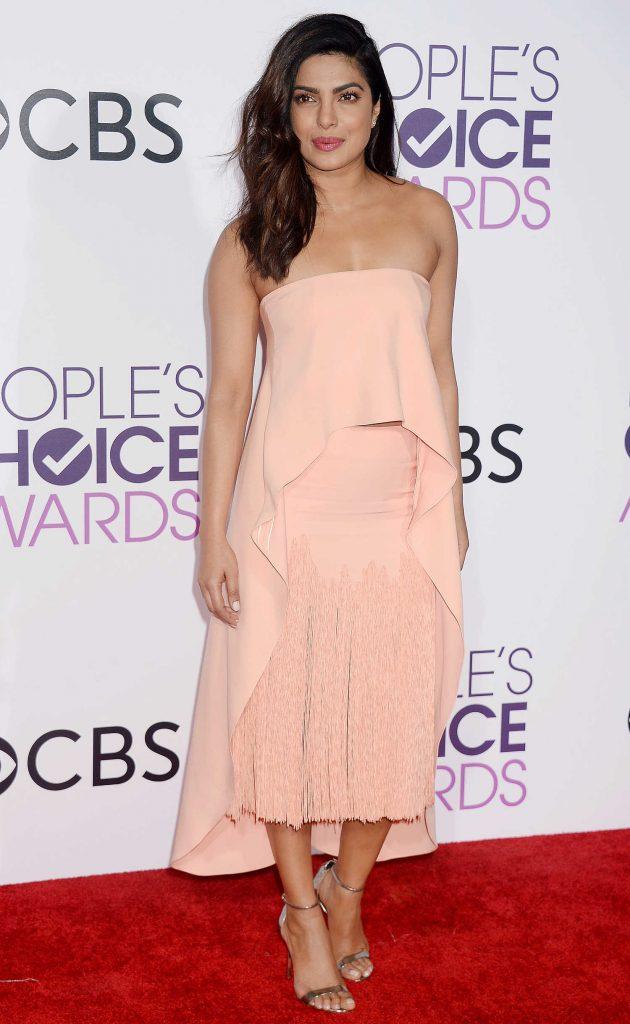 Priyanka Chopra at the 43rd Annual People's Choice Awards in Los Angeles-1