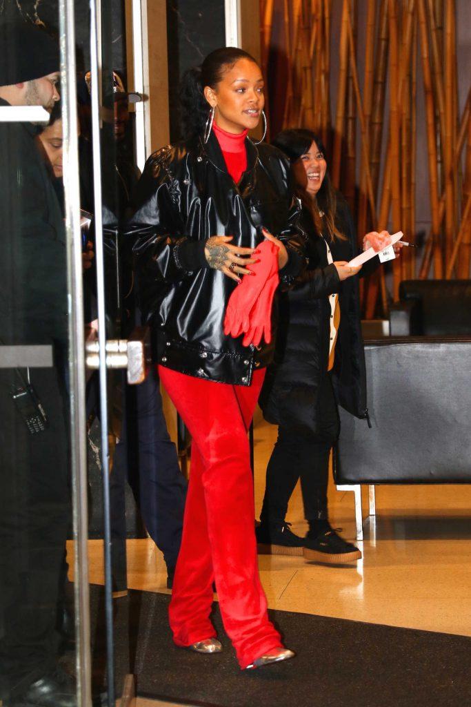 Rihanna Leaves Her Dentist Office in New York-1