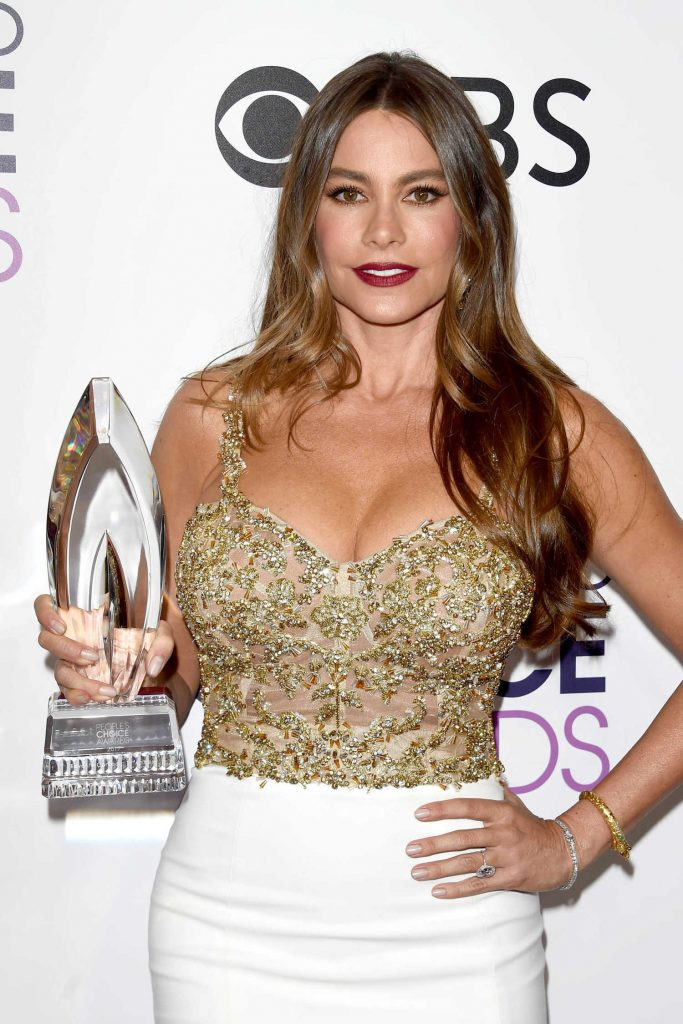 Sofia Vergara at the 43rd Annual People's Choice Awards in Los Angeles-4