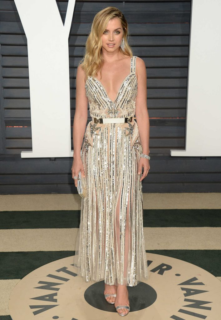 Ana De Armas at the 2017 Vanity Fair Oscar Party in Beverly Hills-1