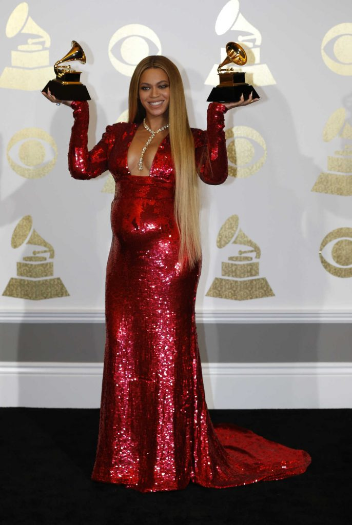 Beyonce at the 59th Grammy Awards in Los Angeles – Celeb Donut Jay Z