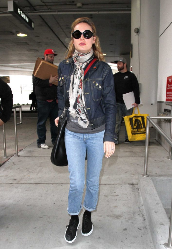 Brie Larson at LAX Airport in Los Angeles-1
