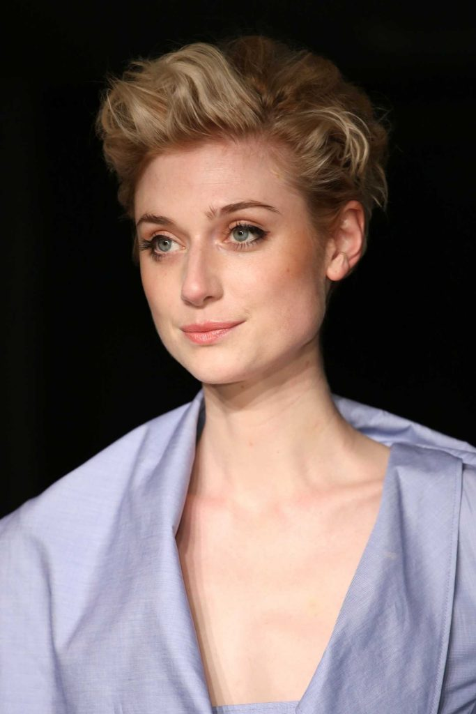 Elizabeth Debicki at the Burberry Show During the London Fashion Week-3