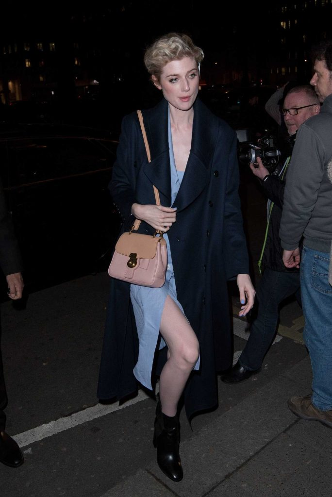 Elizabeth Debicki at the Burberry Show During the London Fashion Week-4