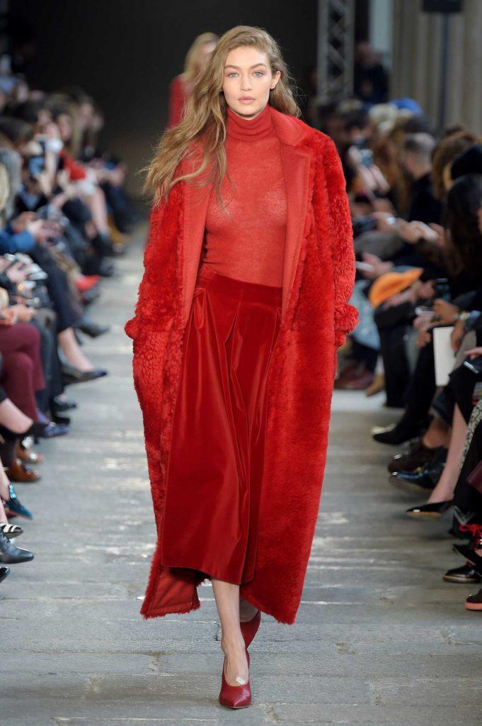 Gigi Hadid at the Max Mara Show During the Milan Fashion Week-1