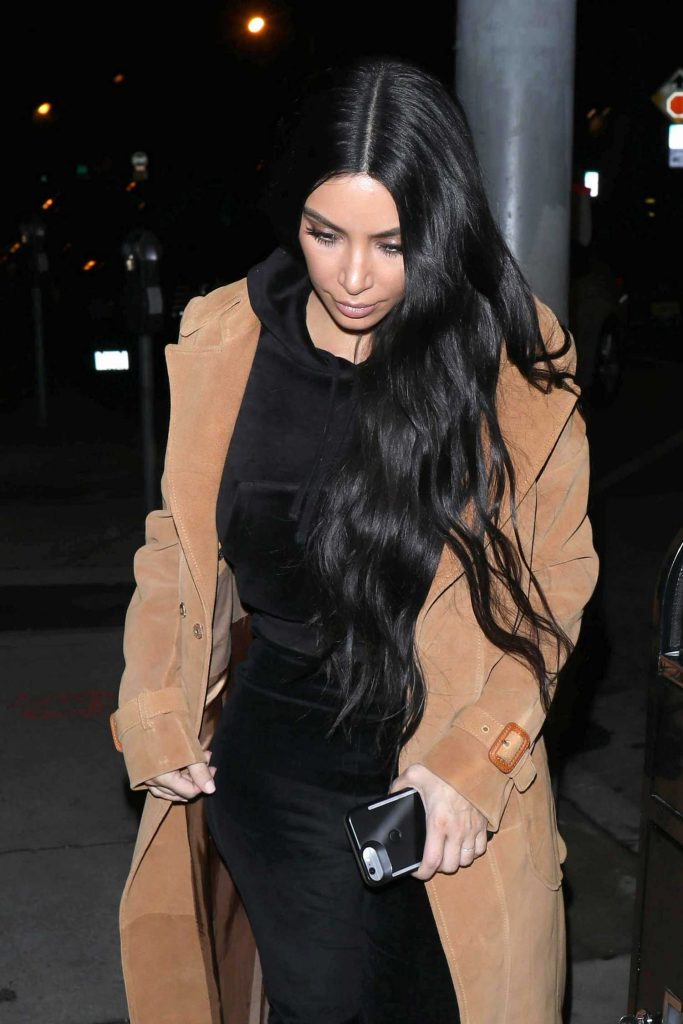 Kim Kardashian Arrives for Dinner at Craig's Restaurant in West Hollywood-3